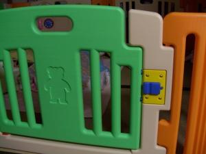 baby barricade